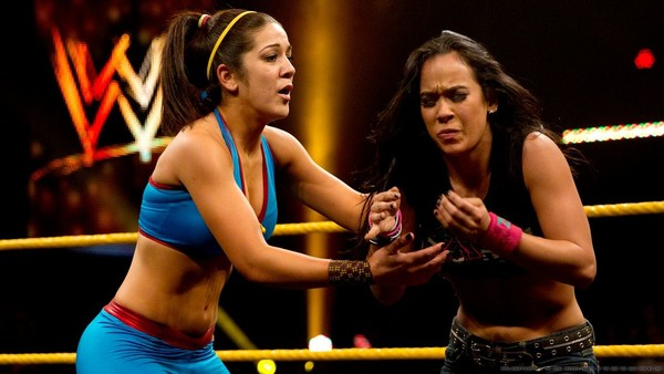 AJ Lee vs Bayley