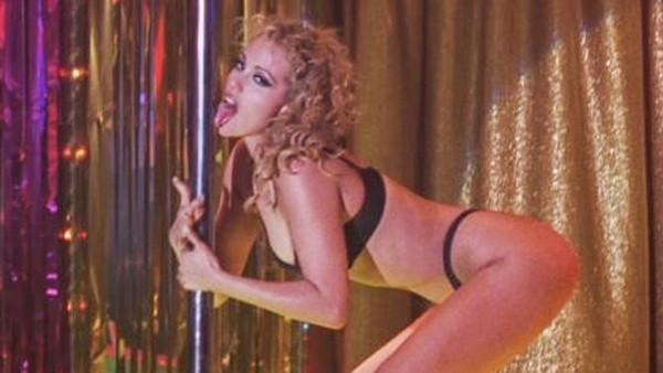 Showgirls Elizabeth Berkley