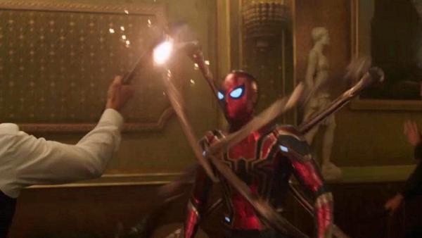 Spider-Man Far From Home Iron Spider Restaurant Fight