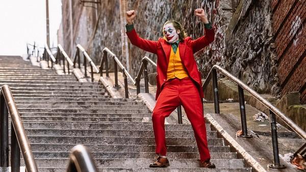 Joker Joaquin Phoenix OUtfit