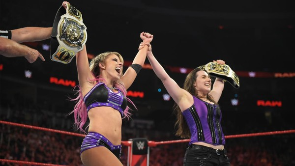 New WWE Women's Tag Team Champions Crowned On Raw
