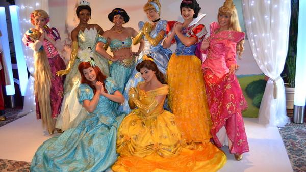 Disneyland 5 Insider Secrets From A Former Disney Princess