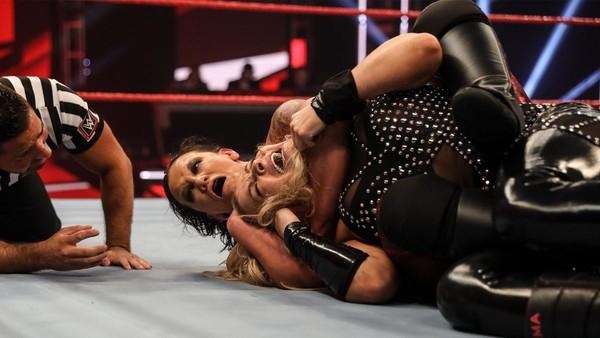 Shayna Baszler Natalya Raw