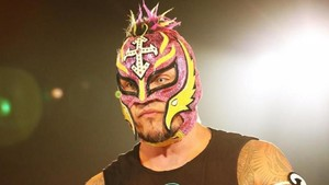 Backstage Details On Rey Mysterio Re-Signing With WWE