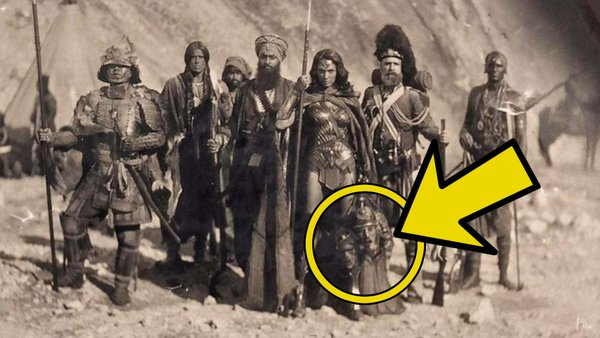 Wonder Woman Heads Crimean War